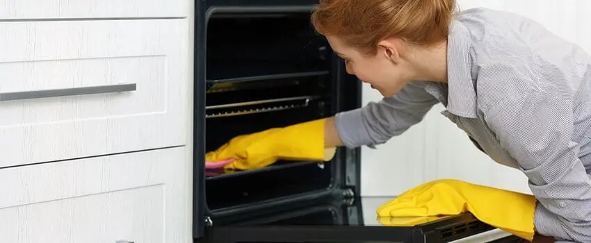 BBQ & Oven Cleaning in Perth Women cleaning here often